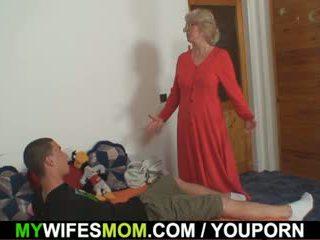 Istri finds dia hubungan intim mama di hukum dan gets insane