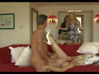 Loca mamá 3: corrida en boca hd porno vídeo 93