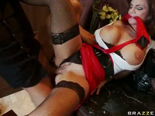 Eldre deauxma squirting og anal knulling video