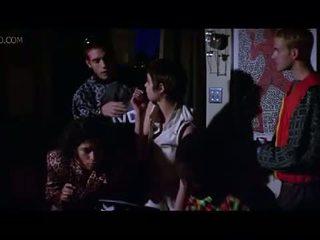 Celeb angelina jolie πλευρά boob και σεξ σκηνή