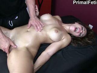 Erotic masaj 74: fierbinte fitnes model needs pentru sperma