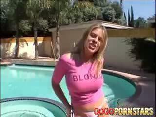 Cycate blondie gwiazda porno daphne rosen teasing nas z jej duży