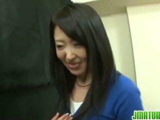 黑妞, 現實, 日本