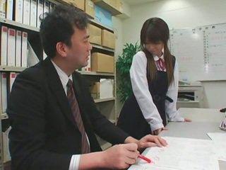 Obličejový cumshots na asijské schoolgirls