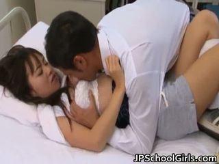 sesso hardcore, grandi tette, giovani piccoli asiatici