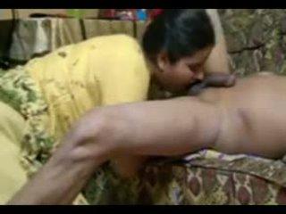 Reaalne india paar fuck intensely juures kodu koos seemnepurse