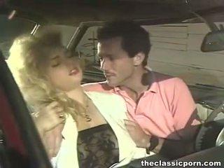 Šílený zkurvenej v the retro auto