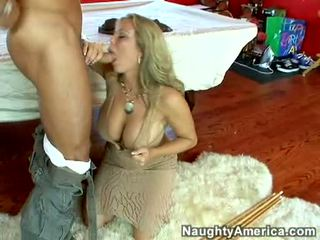 Вологий гаряча порно зірка amber lynn bach hooks a powerful pole в її steamy рот