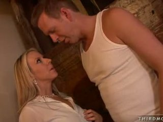 Hawt Enjoyable Carolyn Reese Feeds Herself A Juicy Thick Cock She Indeed Enjoys