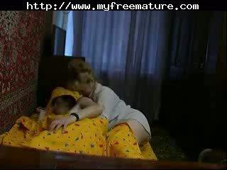 Maminka v pohlaví video na domácí