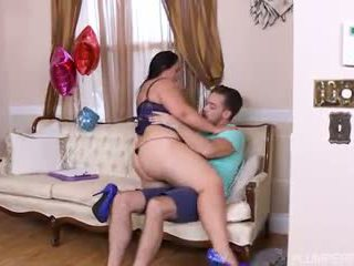 Iso booty stripper fucks nuori nasta, vapaa porno f5