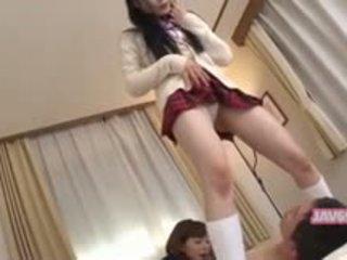 Gražu seductive korėjietiškas mergaitė dulkinimasis