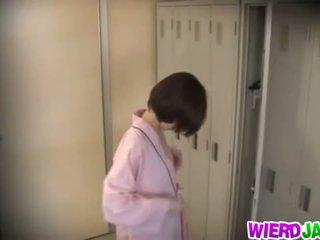 Wierd japán: aranyos ázsiai csajok getting azok csöcsök examined.