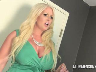 Alura jenson gets ファック バイ シーメール jessy dubai: 高解像度の ポルノの 4c