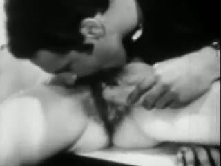 Lust ir the bananas: nemokamai vintažas porno video ea