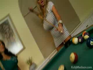 นมโต ทารก ระยำ ใน the billiard ห้อง