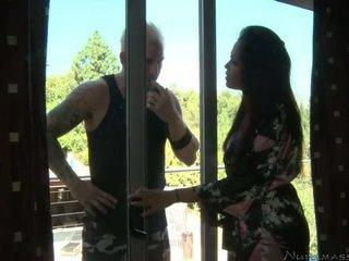 Mia lielani meets उसकी कस्टमर
