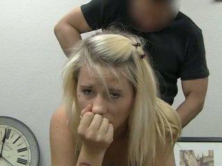 Ania taking 얼굴의 사정