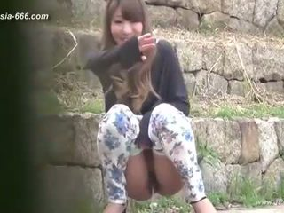 中国的 女孩 去 到 toilet.3