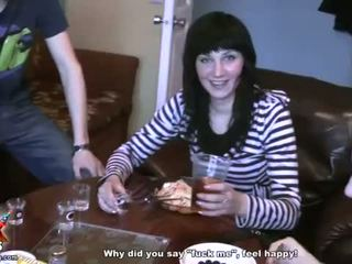 Seksi kızlar emmek deli ve sikme en bir poker video