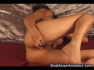 Charming asiática amadora nu dildoing