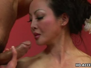 Eldre asiatisk angie venus sucks og fucks god video