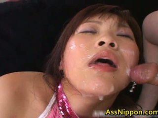 Haruka andou aziatike adoleshent lavire gives
