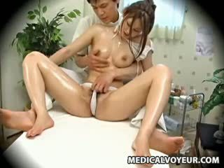 Spycam mode modèle seduced par masseur 1