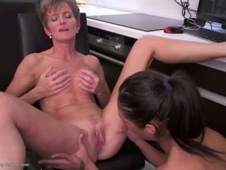Mature Mom Fucks Teen Daughter on Kitchen: Free HD Porn ec