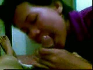 Ινδονησιακό masseur σε malaysia