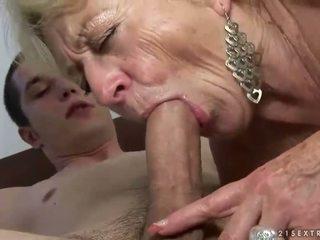 Senelė ir berniukas enjoying sunkus seksas
