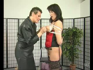 Hot mom aku wis dhemen jancok gets a bit tied up - julia reaves