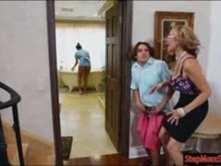 Gorące pokojówka abby lee brazil 3kąt z ogromny fajne cycki macocha
