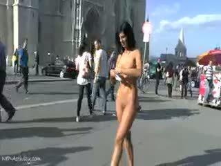 Alyssia loop nackt auf öffentlich streets