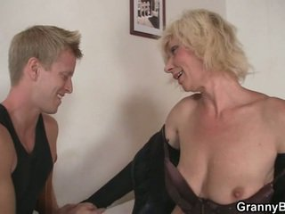 blondiner, mormor, mammor och pojkar