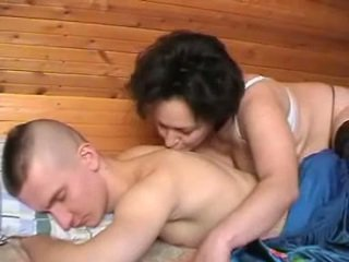 Opilý ruský matka seduces the youth