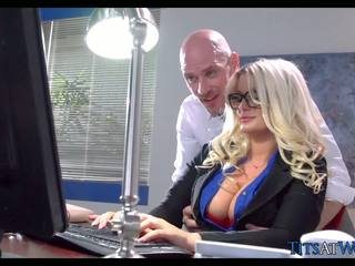 store bryster, brazzers, milfs