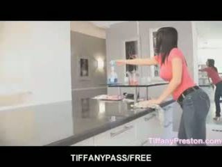 Tiffany preston loves 到 得到 口 滿 的 附帶