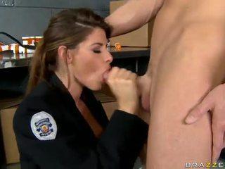 Shagging o mais quente policial sempre madelyn marie em polícia estação