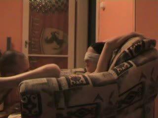 Підліток blind folded і примусовий для ебать stranger відео