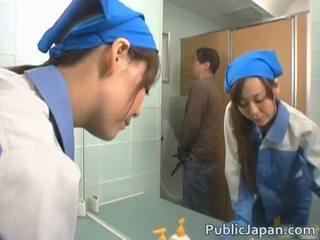 Asiática executive gaja fodido em um público autocarro grátis vídeo