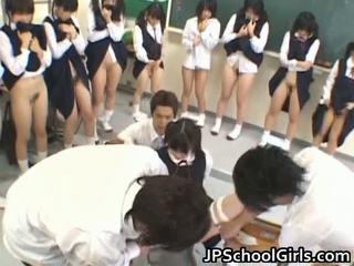 Karštas seksas mergaitė į mokykla klasė