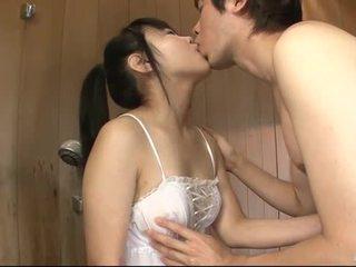 Jepang babeh uses her ibu