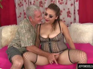 セクシー ぽってり 女の子 gets ファック と 精液 で 口