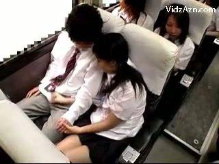 Escolar pajeando apagado guys polla en la schools autobús viaje