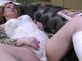 Maturidad aunty may broken leg at thirsty puwit at puke