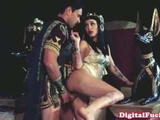 Cleopatra 他媽的 另一 roman dude