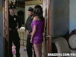 พลาด mckenzie wants ไปยัง เพศสัมพันธ์ a ตำรวจ. เขา gets เธอ ต้องการ