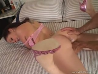 Gianna michaels gets a huge titi rammed down kanya throat while she sucks mahirap