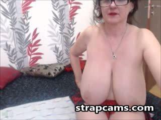 brunett, stora bröst, webbkameran